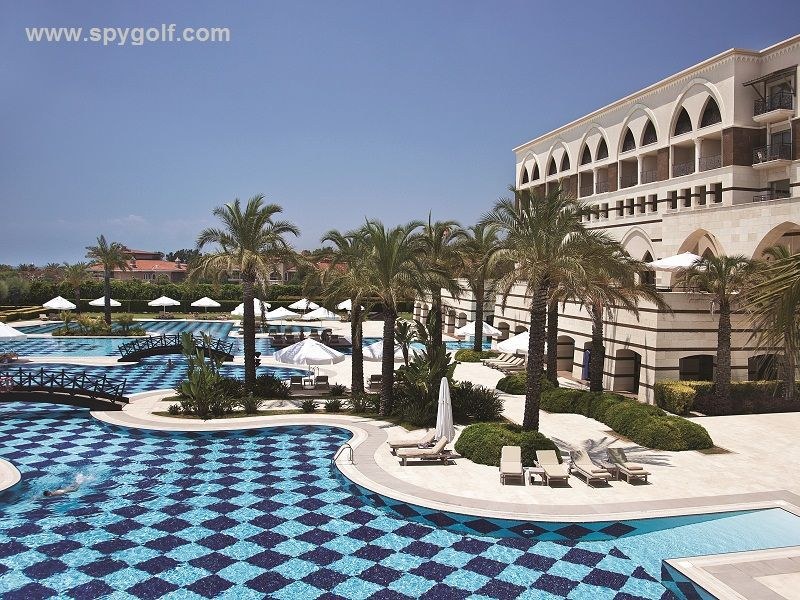 Kempinski The Dome Outdoor pool
