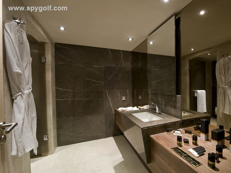 Maxx Royal Suite Bathroom