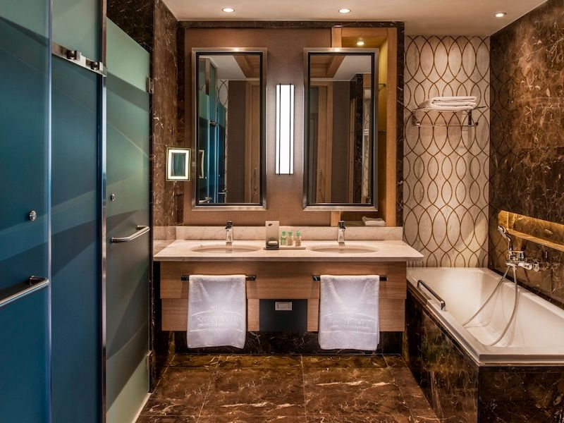 Regnum Carya Golf Resort Luxury Room Bathroom06